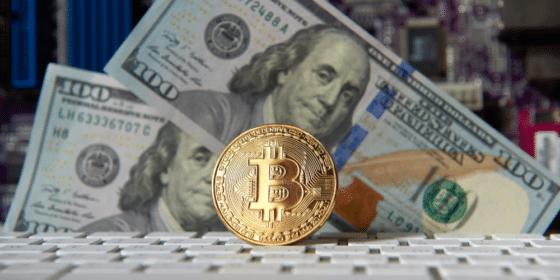 Empresas deben vender sus criptomonedas antes de pedir divisas, Banco Central de Argentina