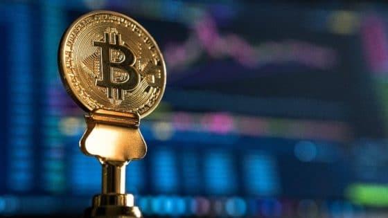 La posible relación entre el costo de producción de bitcoin y el volumen de transacciones