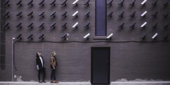 Plan para rastrear el COVID-19 en Argentina alimenta preocupación sobre la privacidad