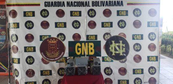 Militares en Venezuela incautan 315 equipos de minería de Bitcoin