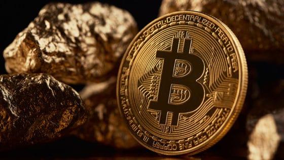 Banco de Singapur: Bitcoin no es rival para monedas nacionales (pero sí para el oro)