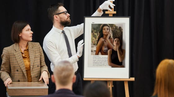 Modelo Emily Ratajkowski subastará NFT en defensa de su imagen y derechos de auto