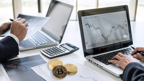 ¿Qué pasa con el precio de bitcoin? 4 analistas explican la situación del mercado