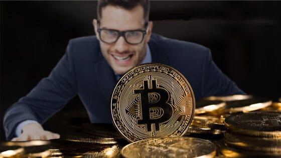 Llega la codicia al mercado: ¿momento de compra o venta de bitcoin?